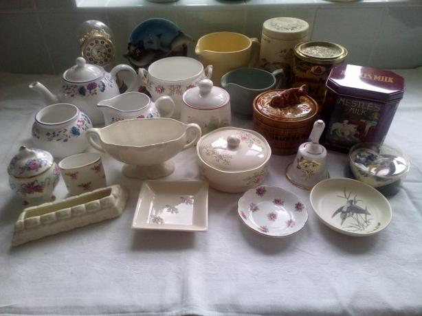 Bric a brac assortment 20+ items