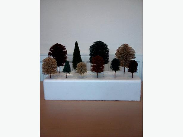 TREES FOR MODEL TRAIN LAYOUT