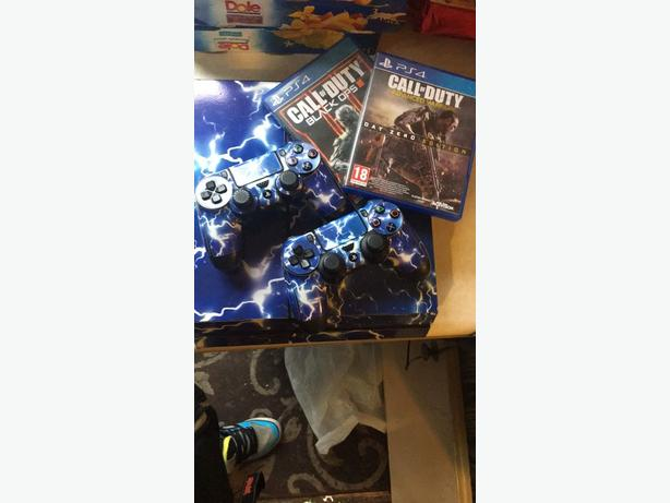 Ps4 PlayStation 4 With Extras .. LOOK!!