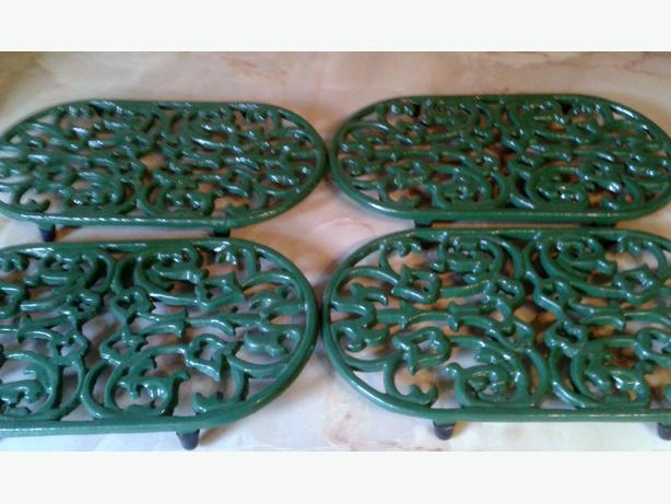 4 oval cast iron trivets & cup/mug tree green