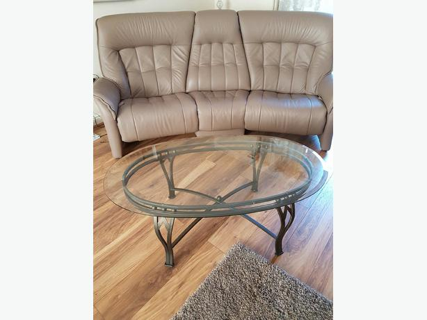 Set of two glass tables