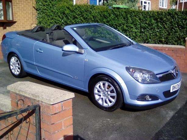 Vauxhall Astra Twintop 1.6L Sport 42k miles 2008 FSH