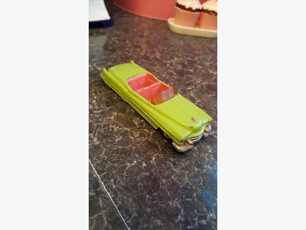 Dinky car cadillac eldorado