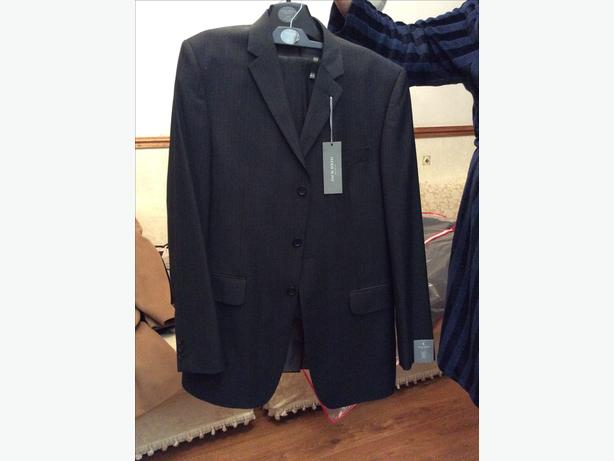 Brand new 2 piece Jack Reid coat  suit