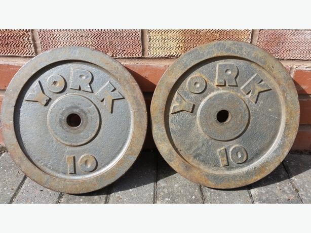SLIGHTLY RUSTY 10KG WEIGHT PLATES