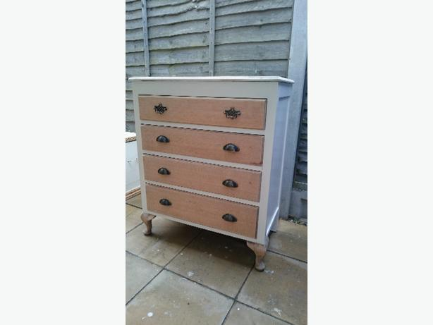 4 drawer solid oak chest of drawers with hidden vanity compartment