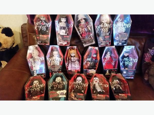 job lot of living dead dolls