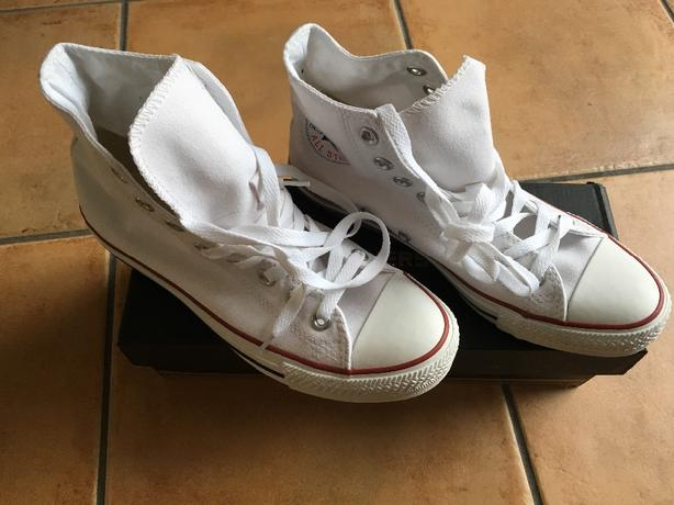BRAND NEW White High Top Unisex Converse Size: 6.5