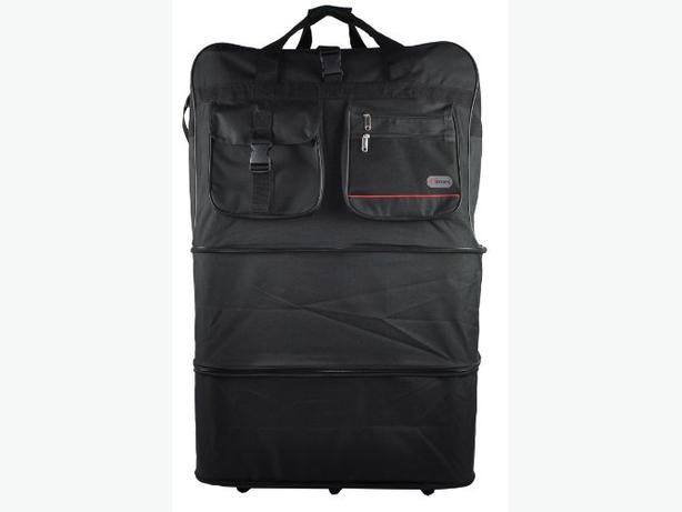 Extendable wheeled holdall bag.