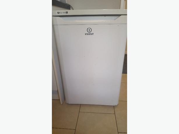indesit undercounter fridge