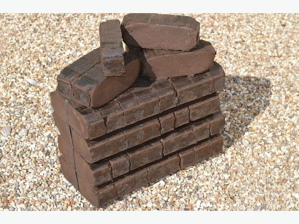 Logs/firewood/fuel bricks