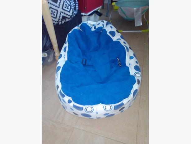 Blue and white bean bag baby chair