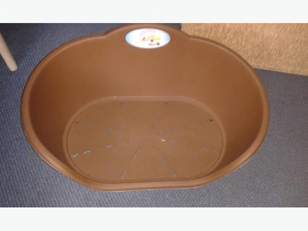 NEW Brown plastic pet bed