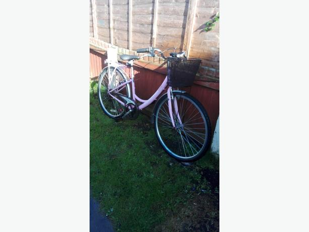 LADIES 26 INCH BIKE