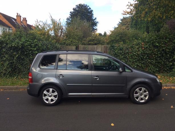volkswagen touran dsg automatic 6 speed turbo diesel 7 seater 2004