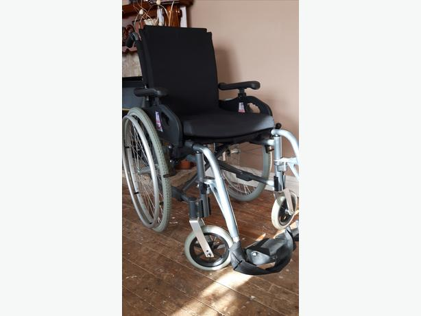 WHEEL CHAIR MADE BY PRIDE