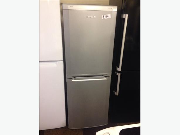 SILVER BEKO FROST FREE FRIDGE / FREEZER0