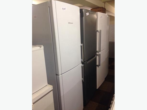 HOTPOINT FRIDGE FREEZER WHITE