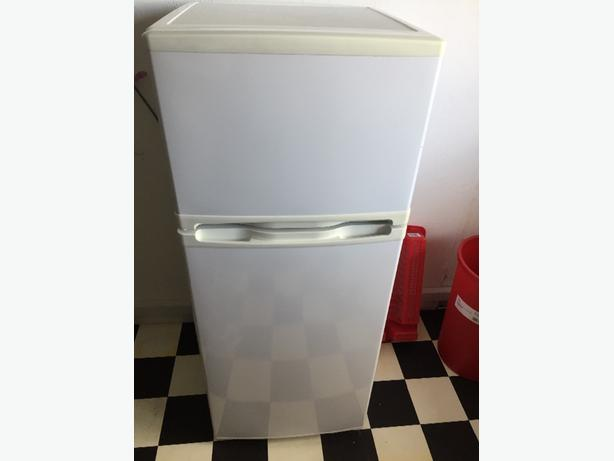 NASCO 5ft FRIDGE FREEZER