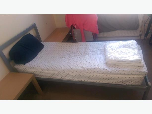 Singled bed for sale