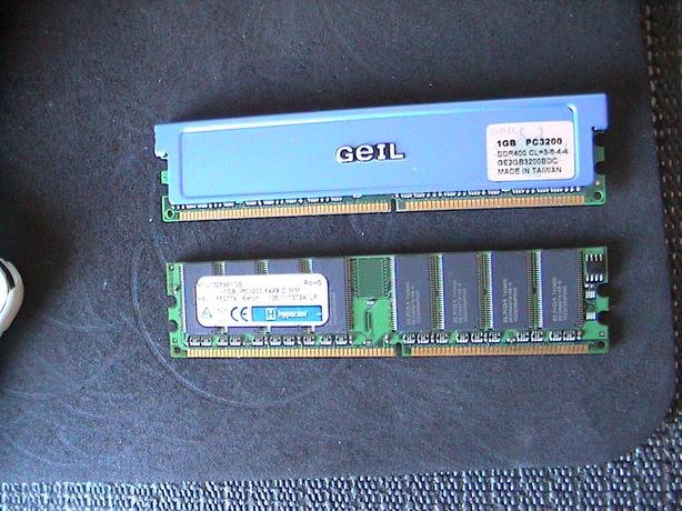 2x 2 pc computer ram 1gb sticks each DDR1 sell or swop