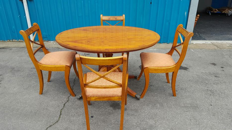 Dining Table and Chairs WALSALL Dudley : 106046489934 from www.useddudley.co.uk size 934 x 525 jpeg 93kB