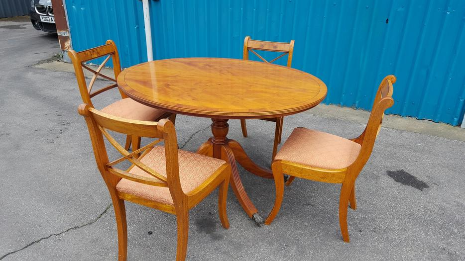Dining Table and Chairs WALSALL Wolverhampton : 106046490934 from www.usedwolverhampton.co.uk size 934 x 525 jpeg 88kB