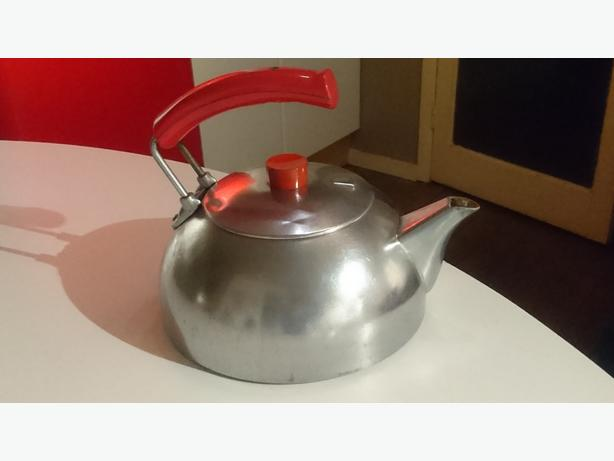 VINTAGE VERY STYLISH MID CENTURY DESIGN HEAVY ALLOY HOB KETTLE GC DECOR