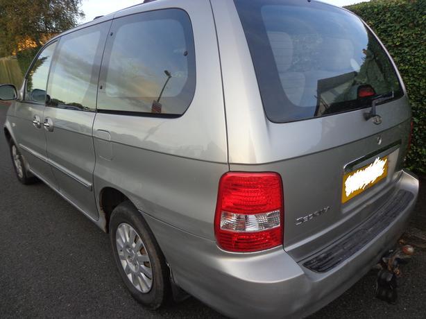 2003 1owner7seater kia sedona diesel+£60 diesel needs slight attention DRIVEAWAY