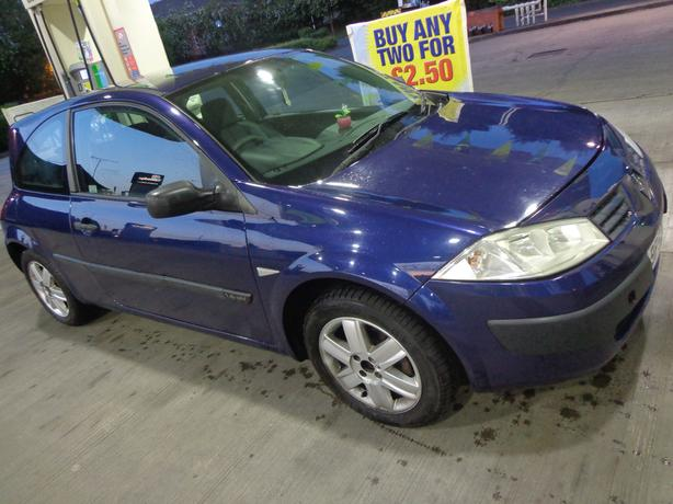 2003 renault megane 1.4 with mot needs slight attention but DRIVEAWAY