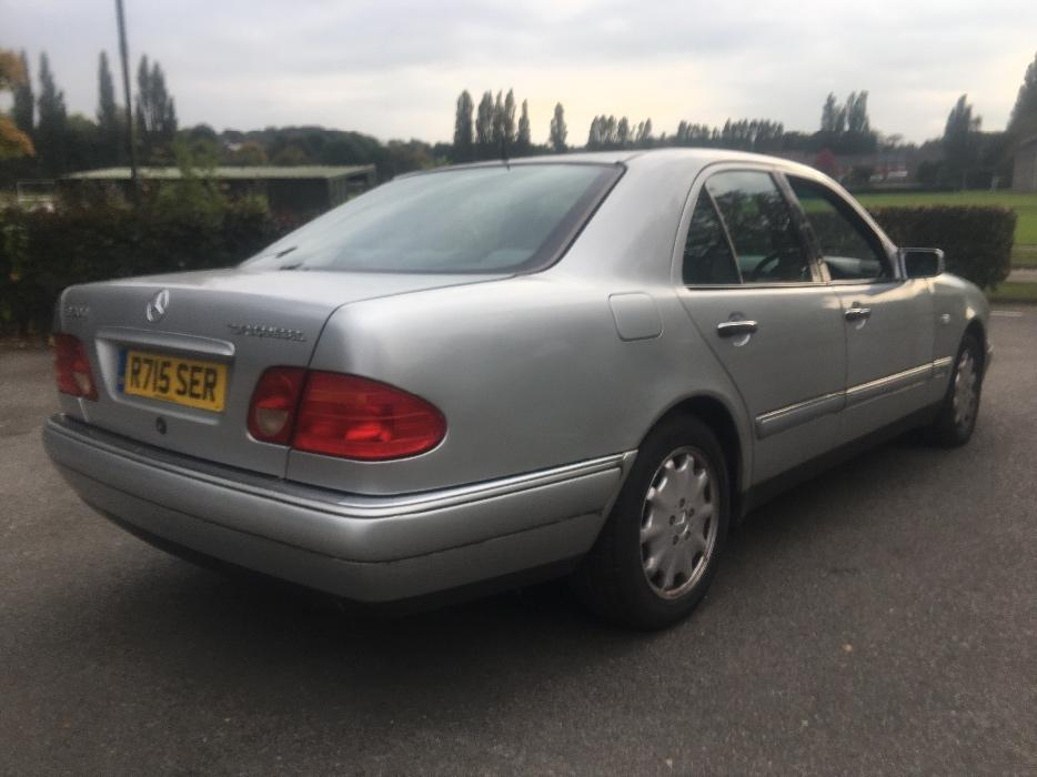 Mercedes e300 td elegance turbo diesel auto with sport for Mercedes benz e300 turbo diesel for sale