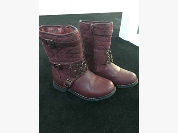 size 13 girls boots worn twice!