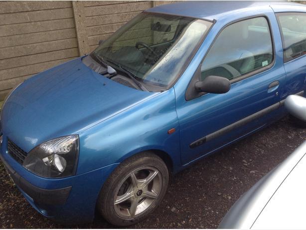2002 Renault Clio 1.2 ( spares or repairs )