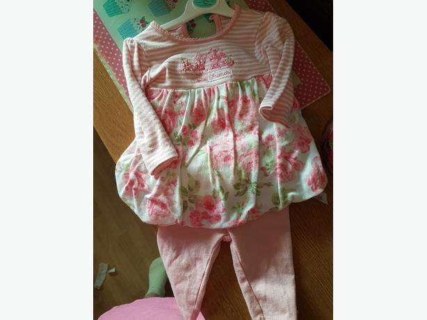 0 - 3 months 2 piece baby girls set