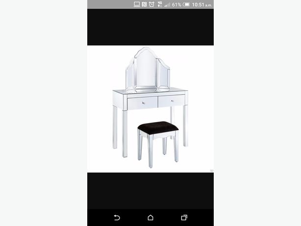 WANTED: mirrored dressing table