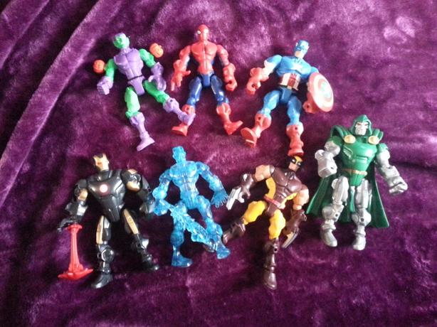 7 Marvel Mash-em Up Figures