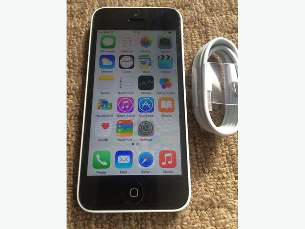 White iPhone 5c on O2 Giffgaff Tesco Good Condition Can Deliver