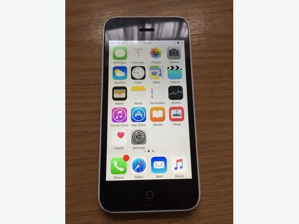 iPhone 5c *32GB* White Unlocked to all Networks Good Condition Can Deliver