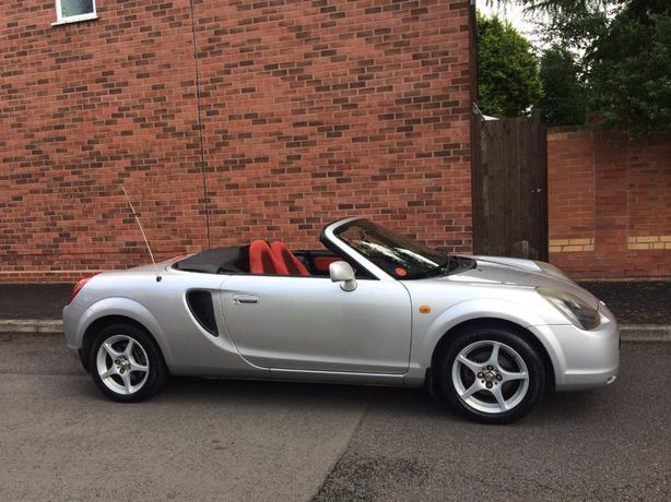 TOYOTA MR2 ROADSTER CONVERTIBLE 2001