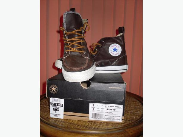 Converse boot
