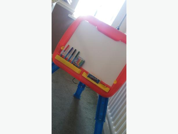 Thomas the tank engine easel