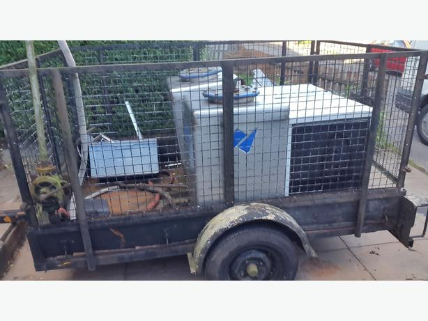 5ft by 8ft caged trailer