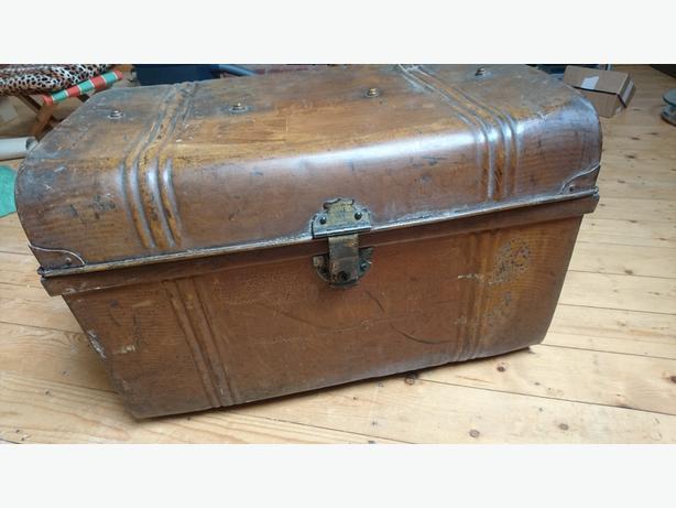 vintage large steel steamer travel storage trunk chest side handles lock g c stourbridge dudley. Black Bedroom Furniture Sets. Home Design Ideas