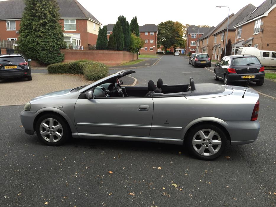 vauxhall astra bertone convertible 02 reg sandwell dudley. Black Bedroom Furniture Sets. Home Design Ideas