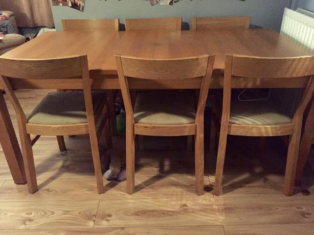 oak effect extendable dining table & 6 chairs