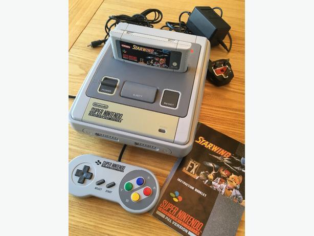 Super Nintendo - SNES - Console - Starwing Bundle