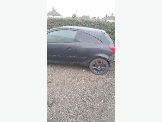 corsa d breaking for parts SXI MODEL black  1.2 petrol all parts avalible