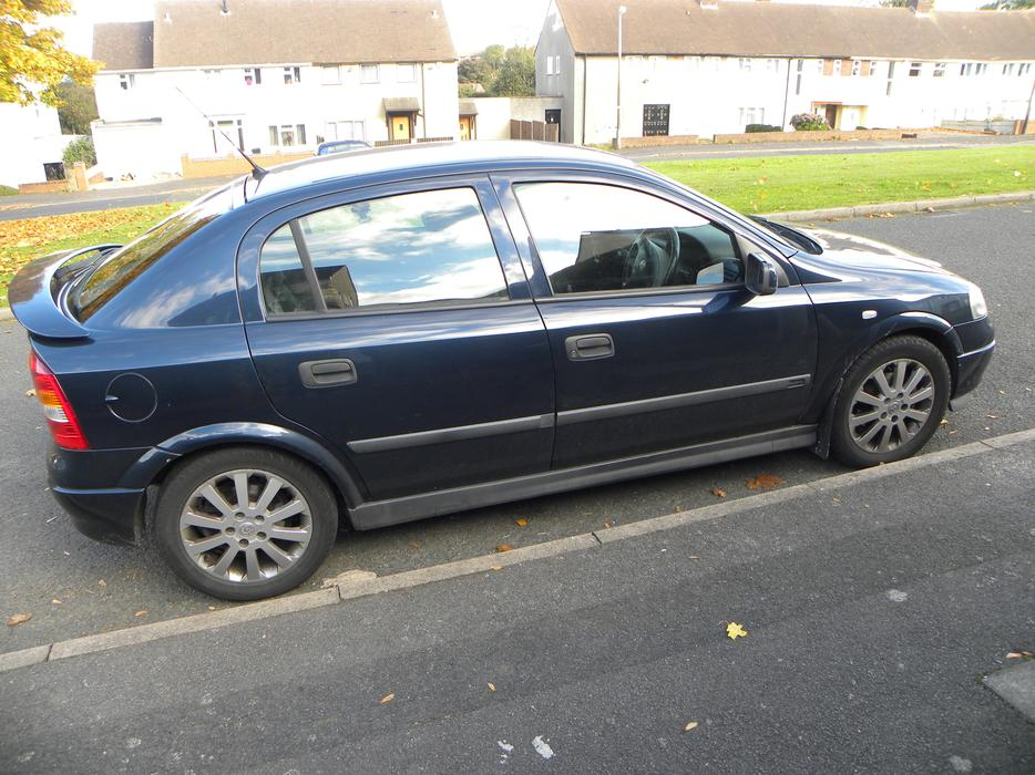 2001 vauxhall astra elegance 1 8  blue dudley  dudley Opel Insignia Opel Vectra