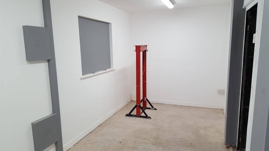 Unit for rent let shaw road wolverhampton garage storage wolverhampton wolverhampton - Ford garage wolverhampton ...