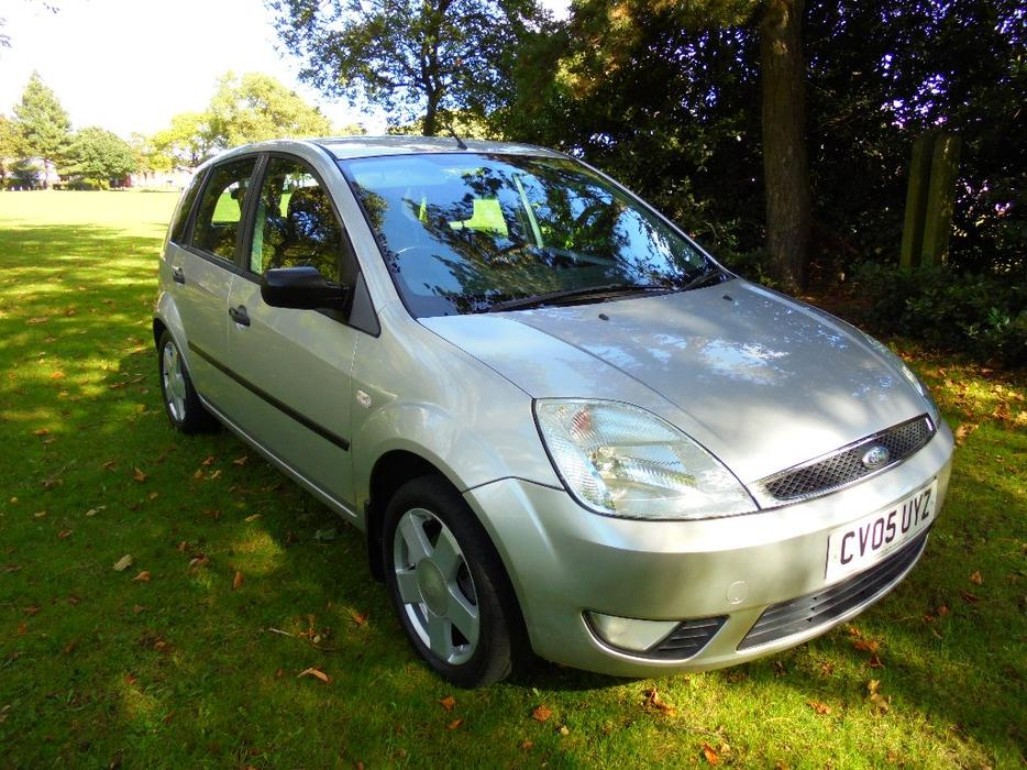 ford fiesta  flame limited edition dr  petrol